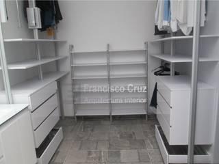 Francisco Cruz Arquitectura Interior Vestidores minimalistas Aglomerado Blanco