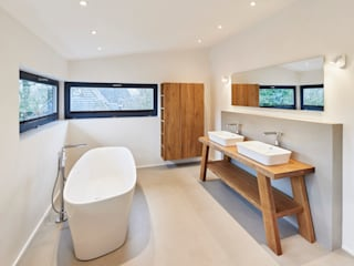 Badezimmer der Extraklasse Moderne Badezimmer von Schreinerei Fischbach GmbH & Co. KG Modern
