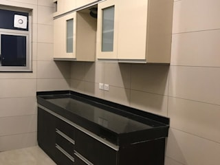 Modular Kitchen, Wardrobes, Study and TV Unit - Sector 112, Gurgaon:   by RV Dezigns