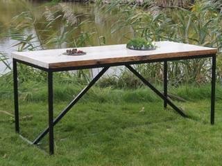 Stół świerkowy stare drewno i stal od CLOVE HM Atelier Industrialny