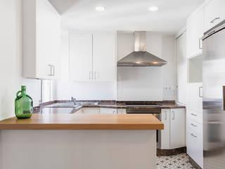 La casa de Mar. Reforma interior Arela Arquitectura Cocinas de estilo minimalista