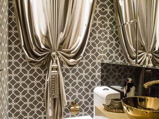 Apto residencial_Itapema SC Banheiros clássicos por abittare design Clássico