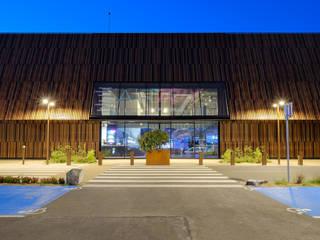 Salones de eventos de estilo  por Créateurs d'interieur