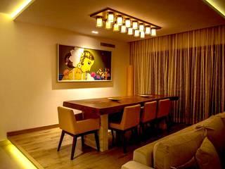 Dinning Room:  Dining room by Design DNA Hyderabad