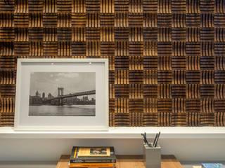 Consultório: Clínicas  por Júlia Stradiotto Arquitetura