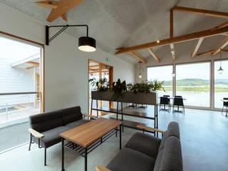 cafe FRAIS 北欧風レストラン の ELD INTERIOR PRODUCTS 北欧