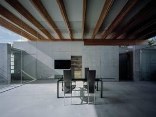 藤原・室 建築設計事務所 Salas de estar modernas