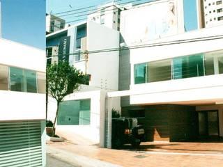 Loja Regina Salomão - Gutierrez, Belo Horizonte: Lojas e imóveis comerciais  por Marcelo Sena Arquitetura
