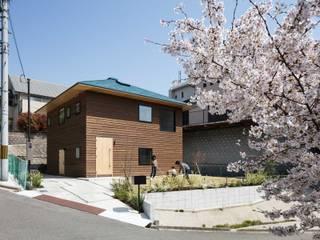 四つ角の家: 山本嘉寛建築設計事務所 YYAAが手掛けた家です。
