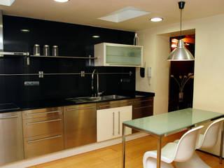 Loft Pere IV: Cocinas de estilo  de ESTUDIO DE CREACIÓN JOSEP CANO, S.L.,