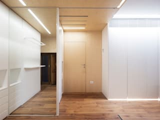 Eseiesa Arquitectos Pasillos, halls y escaleras minimalistas Madera Acabado en madera