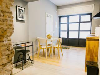 Ruang Makan Modern Oleh DELSUR arquitectos Modern