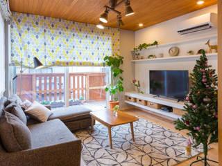 原山Y邸: 株式会社アートアーク一級建築士事務所が手掛けたリビングです。