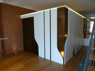 Loft Sucre A2: Dormitorios de estilo  de ESTUDIO DE CREACIÓN JOSEP CANO, S.L.,