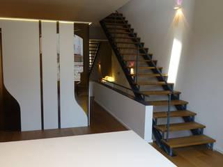 Cầu thang by ESTUDIO DE CREACIÓN JOSEP CANO, S.L.