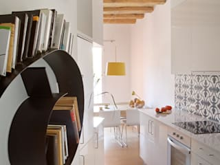 PISO PARLAMENT29 Miel Arquitectos Kitchen units White