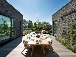 Ontwerp dakterras Knokke: modern  door Studio REDD exclusieve tuinen, Modern