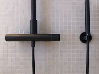 Villa Eze Salle de bain minimaliste par Deux et un Minimaliste