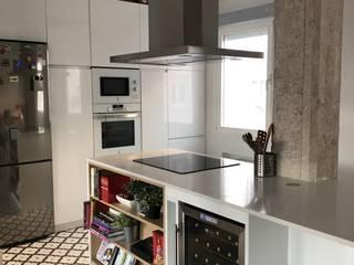 Reforma vivienda Madrid Cocinas de estilo ecléctico de Torredalbiz Ecléctico