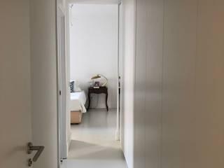 Reforma vivienda Madrid Dormitorios de estilo ecléctico de Torredalbiz Ecléctico