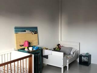 Reforma vivienda Madrid Dormitorios infantiles de estilo ecléctico de Torredalbiz Ecléctico
