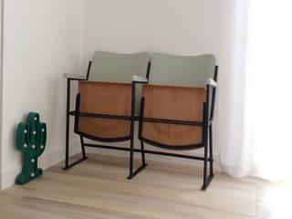 Minimalist corridor, hallway & stairs by Spazio 14 10 di Stella Passerini Minimalist