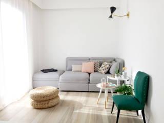 Appartamento 1410 Soggiorno minimalista di Spazio 14 10 di Stella Passerini Minimalista