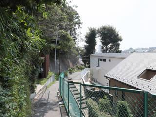 屏風浦の住宅: 佐藤重徳建築設計事務所が手掛けた家です。