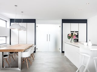 Nieuwe luxe woning Moderne keukens van Bouwbedrijf Lelieveldt Modern
