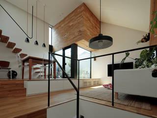 ミドリとソラにつつまれた家 オリジナルデザインの リビング の 株式会社Fit建築設計事務所 オリジナル