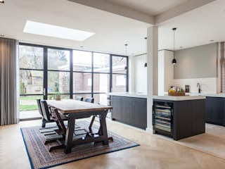 Verbouwing en uitbouw stadswoning:  Keuken door Bouwbedrijf Lelieveldt, Modern