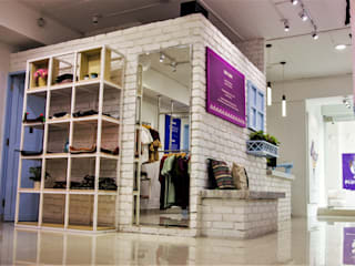 Brand Store, Plumage, Koregaon park Rustic style study/office by Design Evolution Lab Rustic
