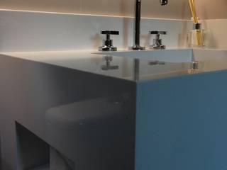 BANHEIRO SOFISTICADO Banheiros modernos por DALL' ANESE ARQUITETURA Moderno