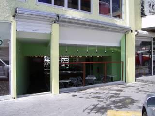 Mezcaleria Bares y clubs de estilo rústico de Arquitectura OM Rústico