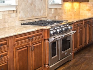 Kitchen Remodeling:  Kitchen units by Visign Remodeling