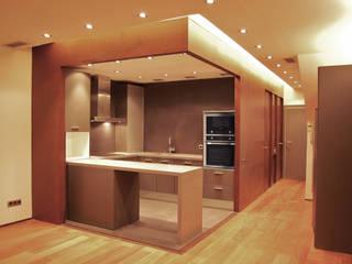 Loft Montpeller: Cocinas de estilo  de ESTUDIO DE CREACIÓN JOSEP CANO, S.L.,