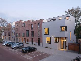 Cool Cube - Rotterdam:  Eengezinswoning door jvantspijker & partners, Minimalistisch