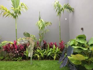 Residencial íntimo: Jardins  por Gabriela Araujo Arquitetura e Paisagismo