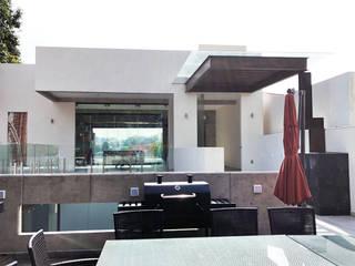 CASA HABITACIÓN BOSQUES DEL MOLINO Balcones y terrazas modernos de AM MAS ARQUITECTOS Moderno