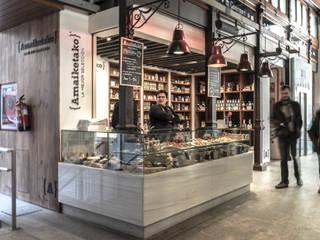 Puesto Amaiketako en el Mercado San Miguel Gastronomía de estilo moderno de pls arquitectura Moderno