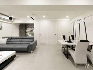 ZHONG House 现代客厅設計點子、靈感 & 圖片 根據 元作空間設計 現代風
