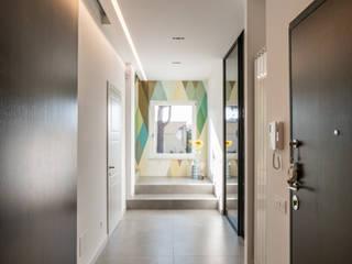 Modern corridor, hallway & stairs by ZETAE Studio Modern