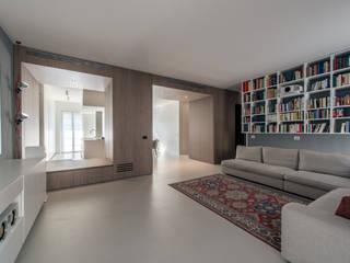 LIVING THE VOID Soggiorno minimalista di Atelierzero Architects Minimalista
