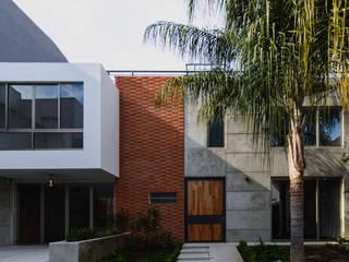 Modern Houses by Arturo Santander Arquitectos Modern