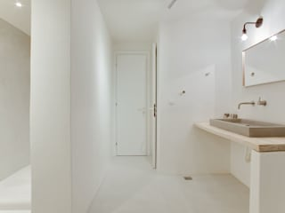 BETON2 Modern bathroom Concrete White
