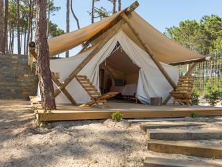 Bukubaki - Eco Surf Resort Hotéis modernos por Projecto 84 Moderno