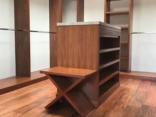 Dressing room by La ChaPa, Modern Wood Wood effect