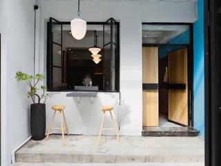 伊歐室內裝修設計有限公司 Oficinas y tiendas de estilo ecléctico