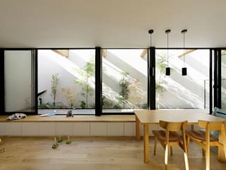 ソト部屋ウチ庭の家 モダンデザインの リビング の 株式会社Fit建築設計事務所 モダン