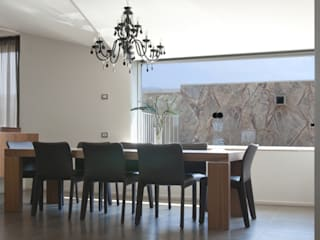 Modern dining room by GIAN MARCO CANNAVICCI ARCHITETTO Modern